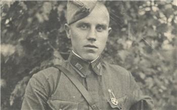 «На войне ходил в разведку»: красноярские полицейские показали ретро фотографии службы 100-летнего ветерана МВД