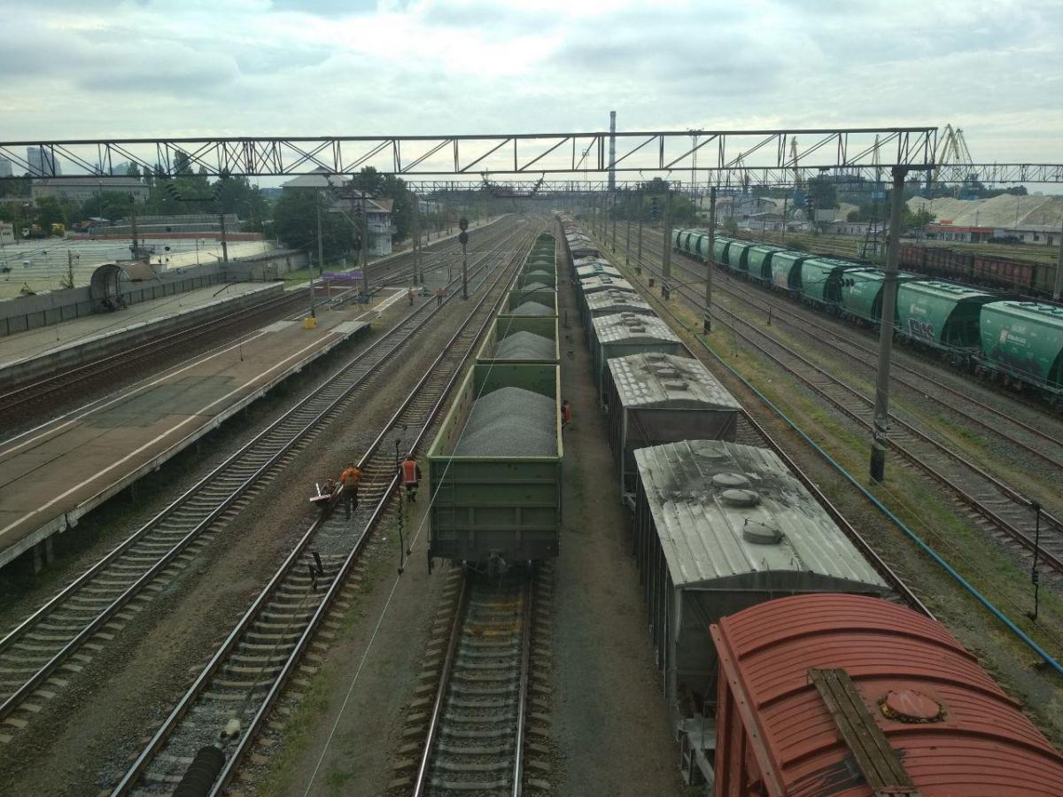 В Украину незаконно ввезли и поставили на учет более 600 вагонов из РФ