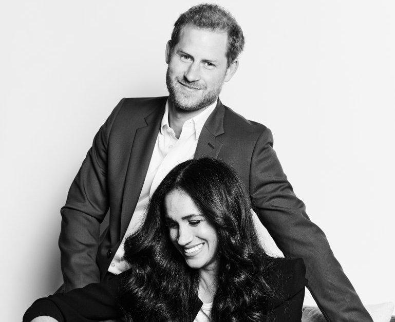 Принц Гарри и Меган Маркл снялись в первой официальной фотосессии после 'мегзита'