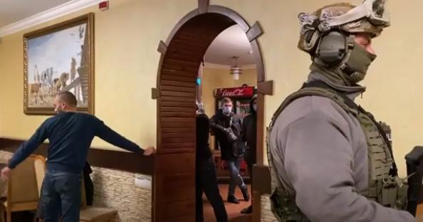 На Черкасщине полицейские сорвали 'сходку' криминалитета: обнародовано оперативное видео