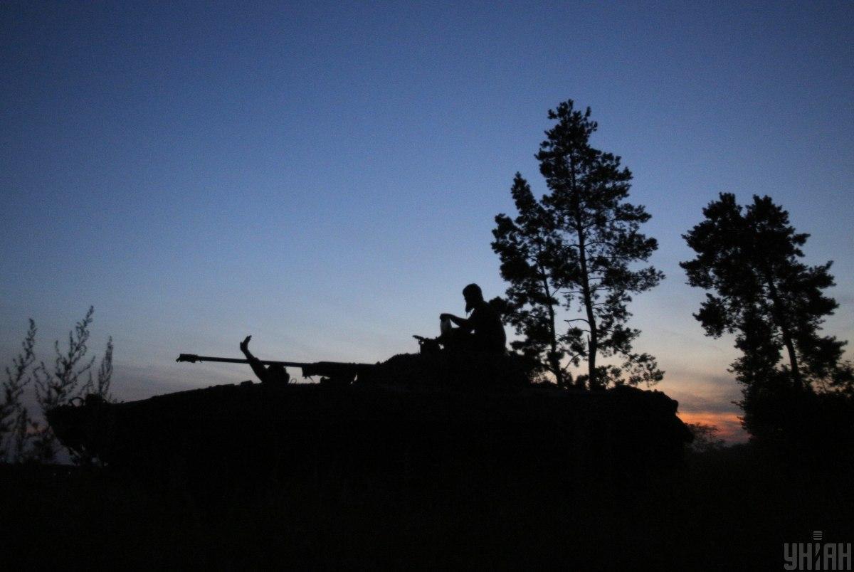 Сегодня боевики на Донбассе совершили 11 обстрелов, погиб военный