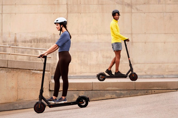 Xiaomi представила в России три электросамоката серии Mi Electric Scooter с ценами от 28 до 47 тыс. рублей