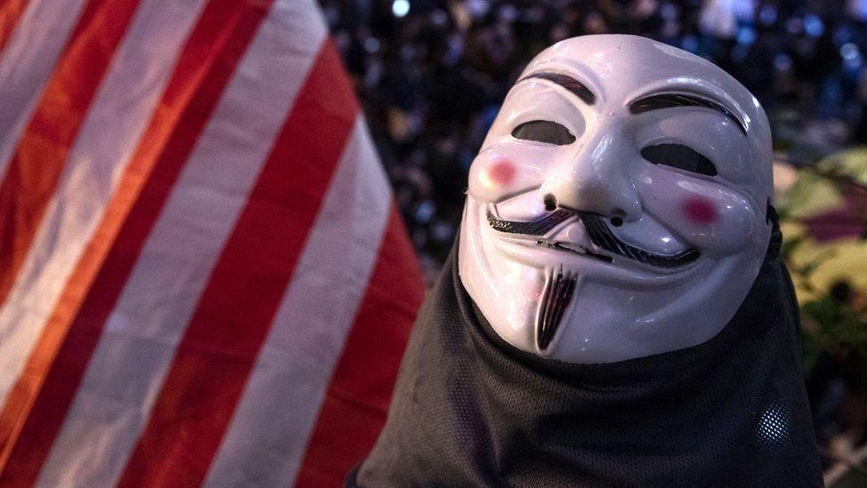 Неизвестные объявили Илону Маску «войну» от имени Anonymous — его назвали самовлюблённым богачом