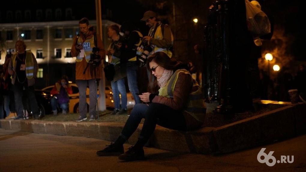Журналистов бьют, задерживают и наказывают за их работу. Пять доказательств несвободы прессы в РФ