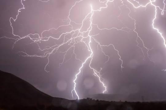 От удара молнии в Башкирии погибла женщина