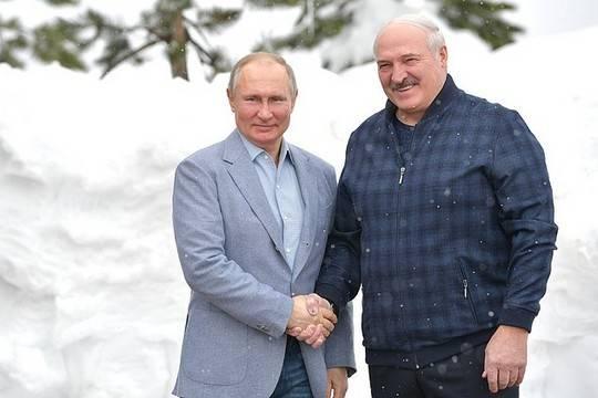 Лукашенко анонсировал создание белорусской вакцины от коронавируса