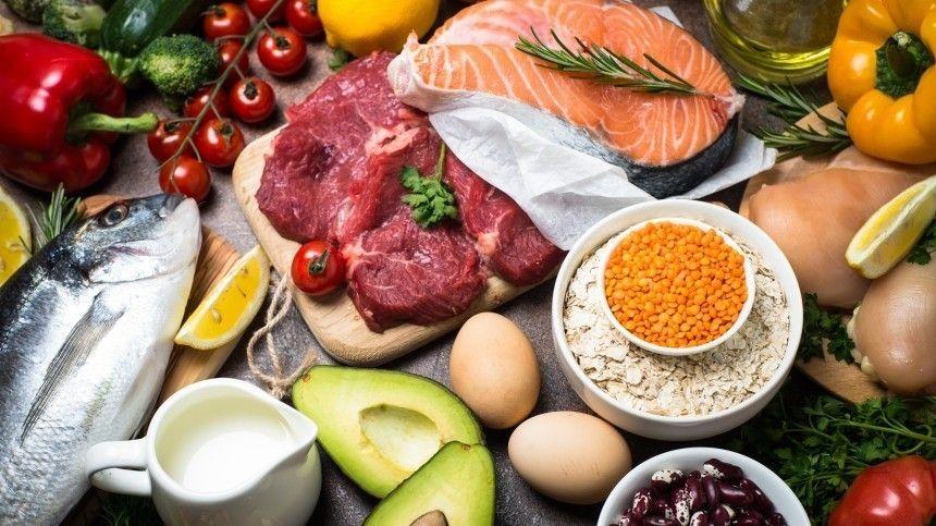 Доктор Мясников назвал самые полезные продукты при борьбе с коронавирусом