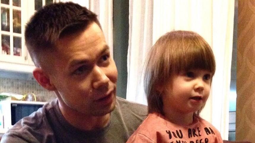 «Заранее отказываю»: Пьеха попросил СМИ не беспокоить его с вопросами о сыне