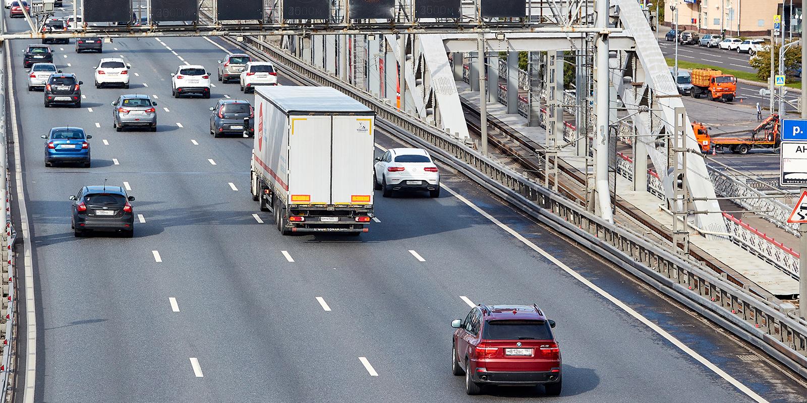 Вступили в силу новые правила проезда грузовиков