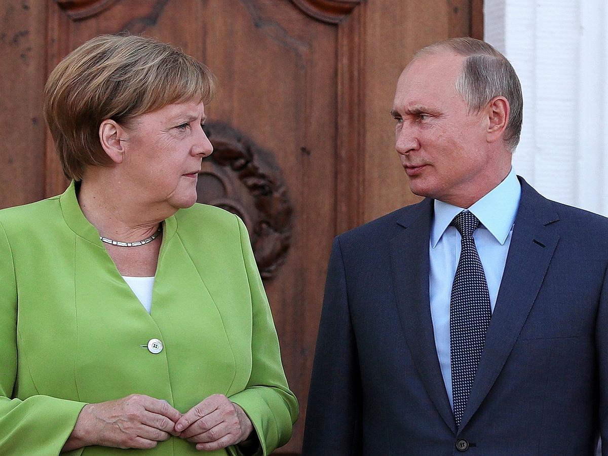 Меркель потребовала от Путина прекратить перемещать войска внутри РФ: СМИ нашли один из полигонов под Воронежом