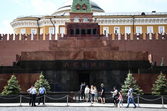Американский художник хочет создать копию Мавзолея и выкупить тело Ленина