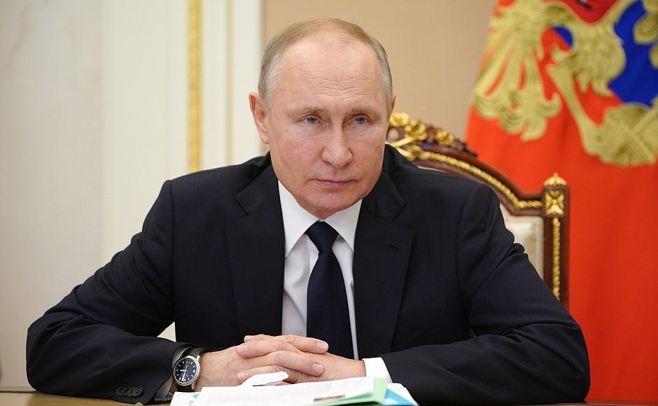 Путин поручил ФАС проверить ситуацию с ростом цен на жилье