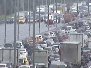 Появилось видео с места гибели трех человек в аварии на МКАД в Москве