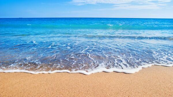 К чему снится море