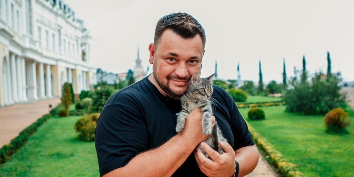 'Сразу пойдем в кровать?': Сергей Жуков пожаловался на домогательства продюсера-гомосексуалиста