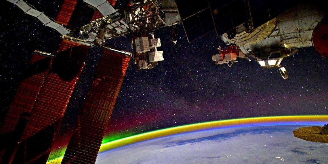 Космонавты засняли полярное сияние с МКС