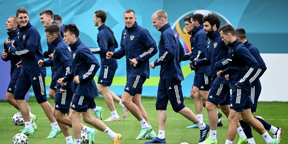 В день старта Евро у игрока сборной России по футболу нашли коронавирус