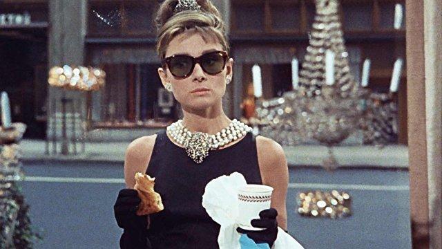 Перестать пить кофе и есть сыр, потому что от них болит голова? Не так быстро (El País, Испания)