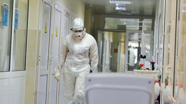 Эксперт рассказал, для кого 'дельта'-штамм коронавируса опаснее всего
