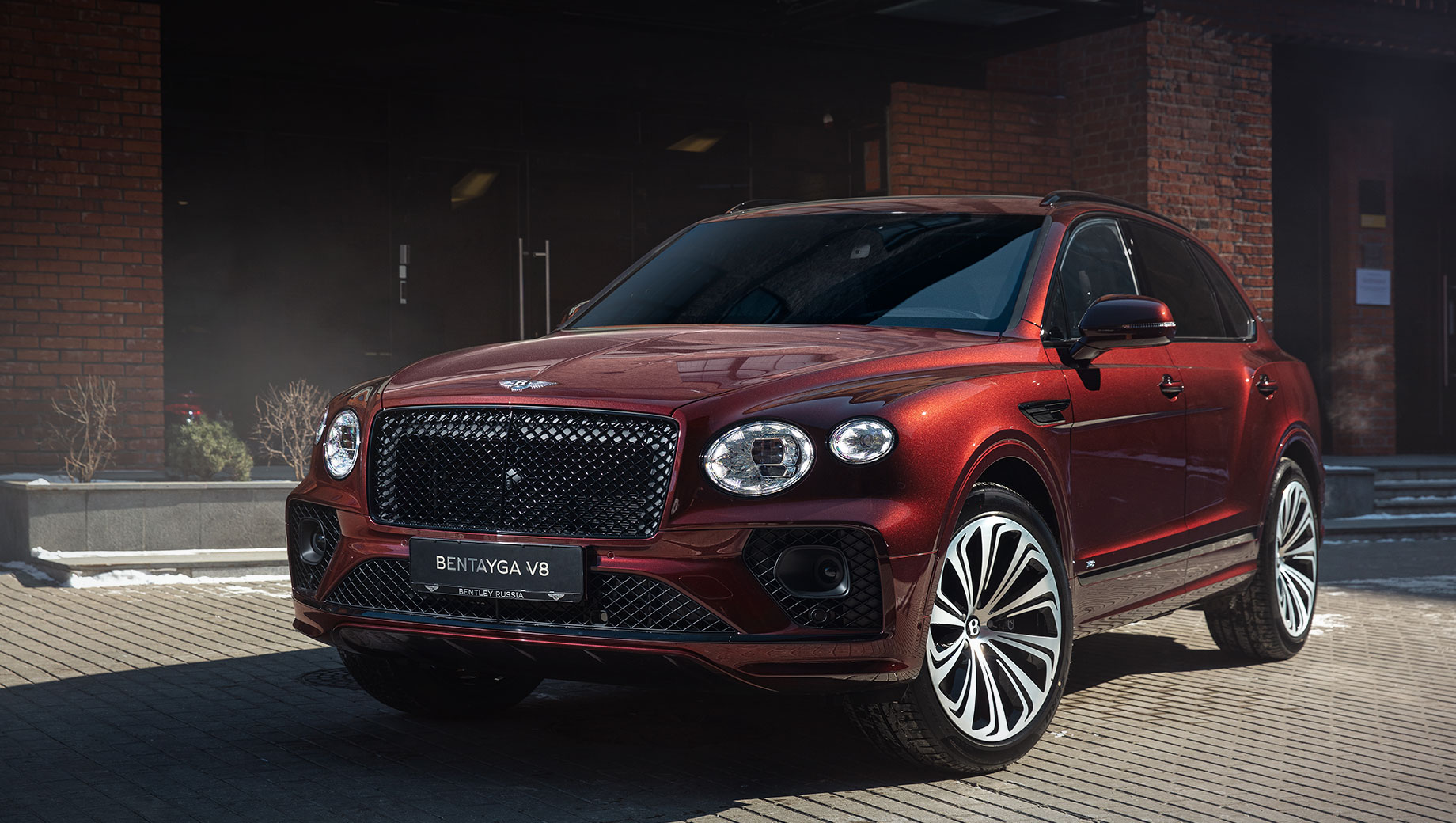 Обновлённая Bentley Bentayga повторно подорожала