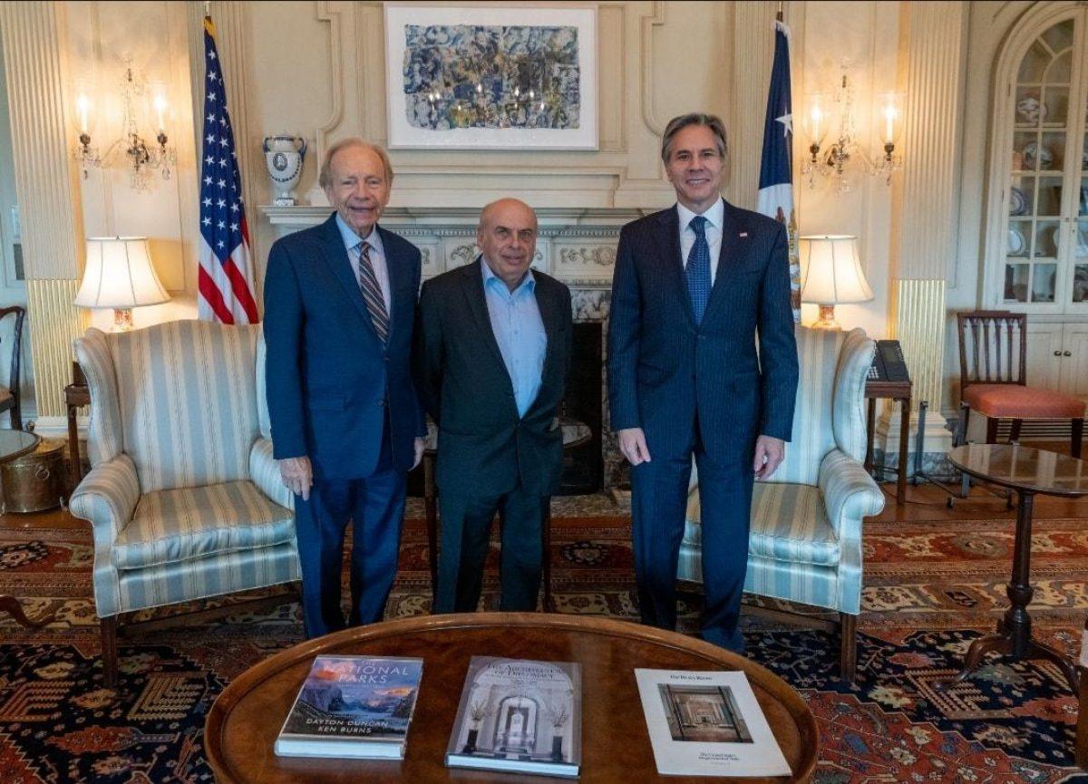 Госсекретарь США встретился с председателем наблюдательного совета Мемориального центра 'Бабий Яр'