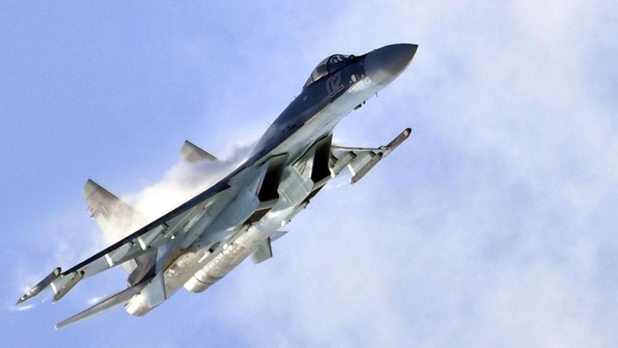 Российский Су-35 сопроводил самолет-разведчик США над Тихим океаном