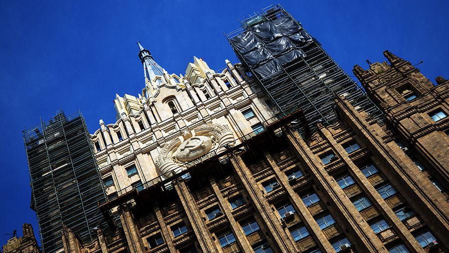 Россия запретила въезд в страну 25 британцам в ответ на санкции Лондона