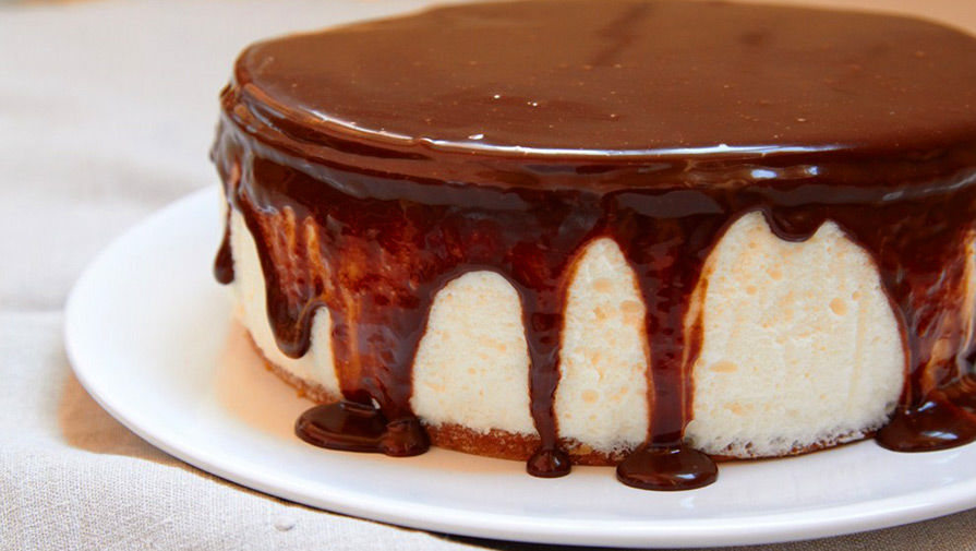 Двух американцев задержали за перевозку кокаина в виде торта