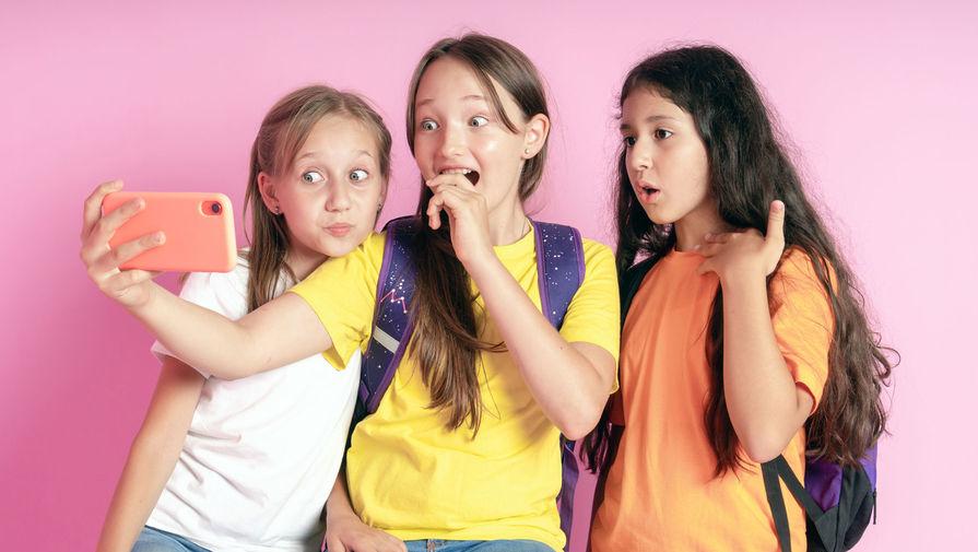 Родители назвали TikTok самой опасной соцсетью для подростков