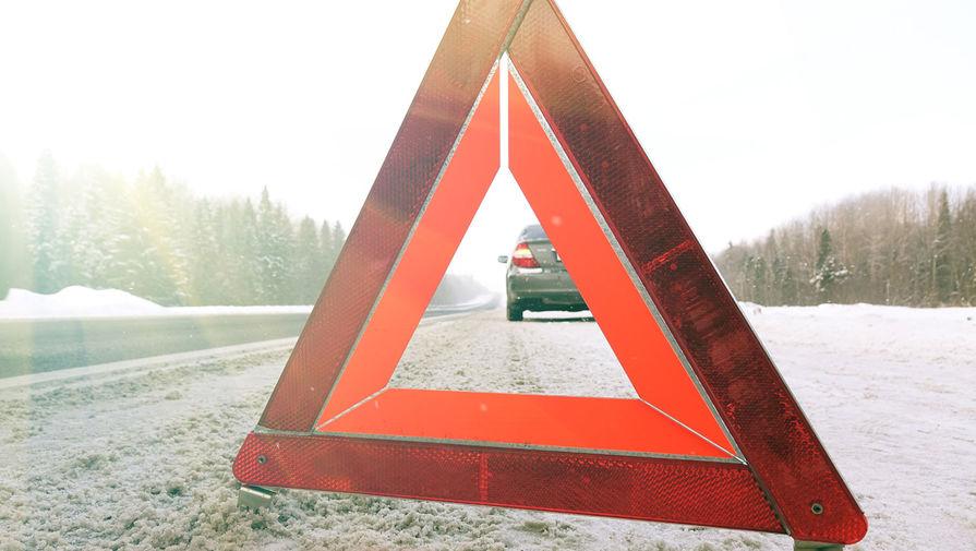На трассе М-4 'Дон' в Ростовской области опрокинулся автобус