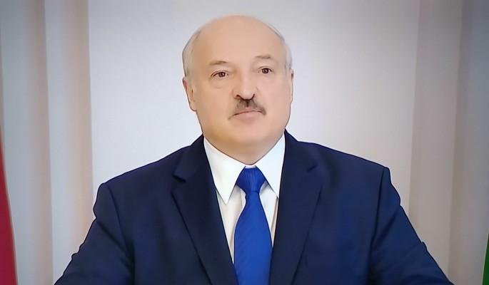 Еще одно громкое увольнение: Лукашенко карает недостаточно преданных чиновников