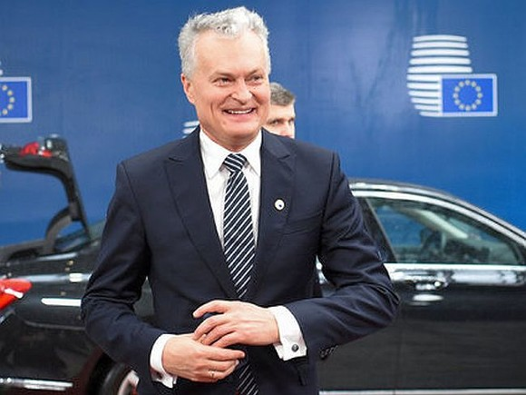 Президент Литвы ограничил права нелегальных мигрантов «дырявым» законом
