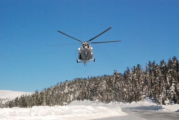 Вертолет с детьми произвел аварийную посадку на Таймыре (видео)