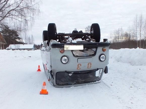 Саратовский чиновник пожаловался, что из-за плохих дорог «покойники выпрыгивают из машин»