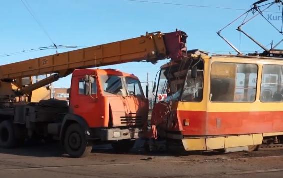 ВИДЕО ДТП на площади Добролюбова: трамвай и автокран