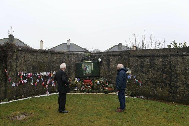 Власти Ирландии извинились за жестокое обращение в приютах для женщин, родивших вне брака. За 76 лет там умерли девять тысяч детей