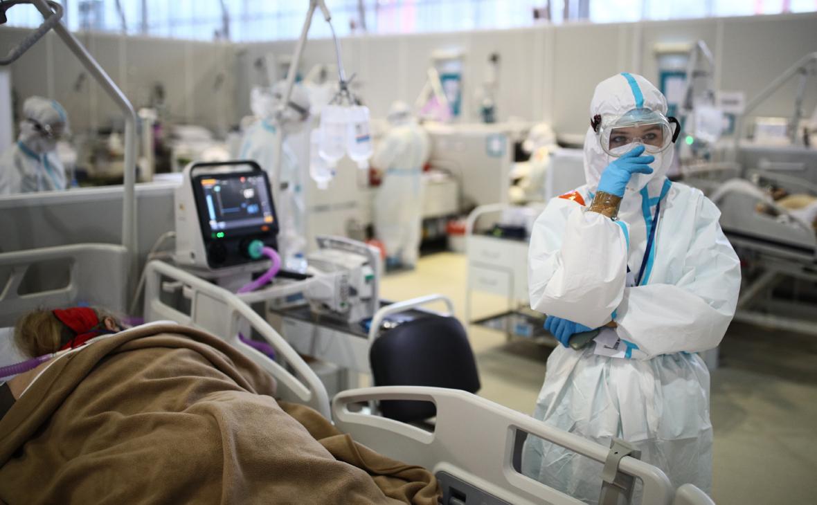 Мурашко назвал текущую ситуацию с коронавирусом в России напряженной