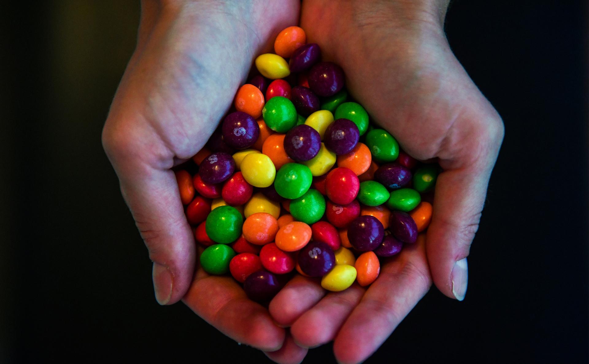 Владелец Skittles подал в суд на продавцов конфет с марихуаной