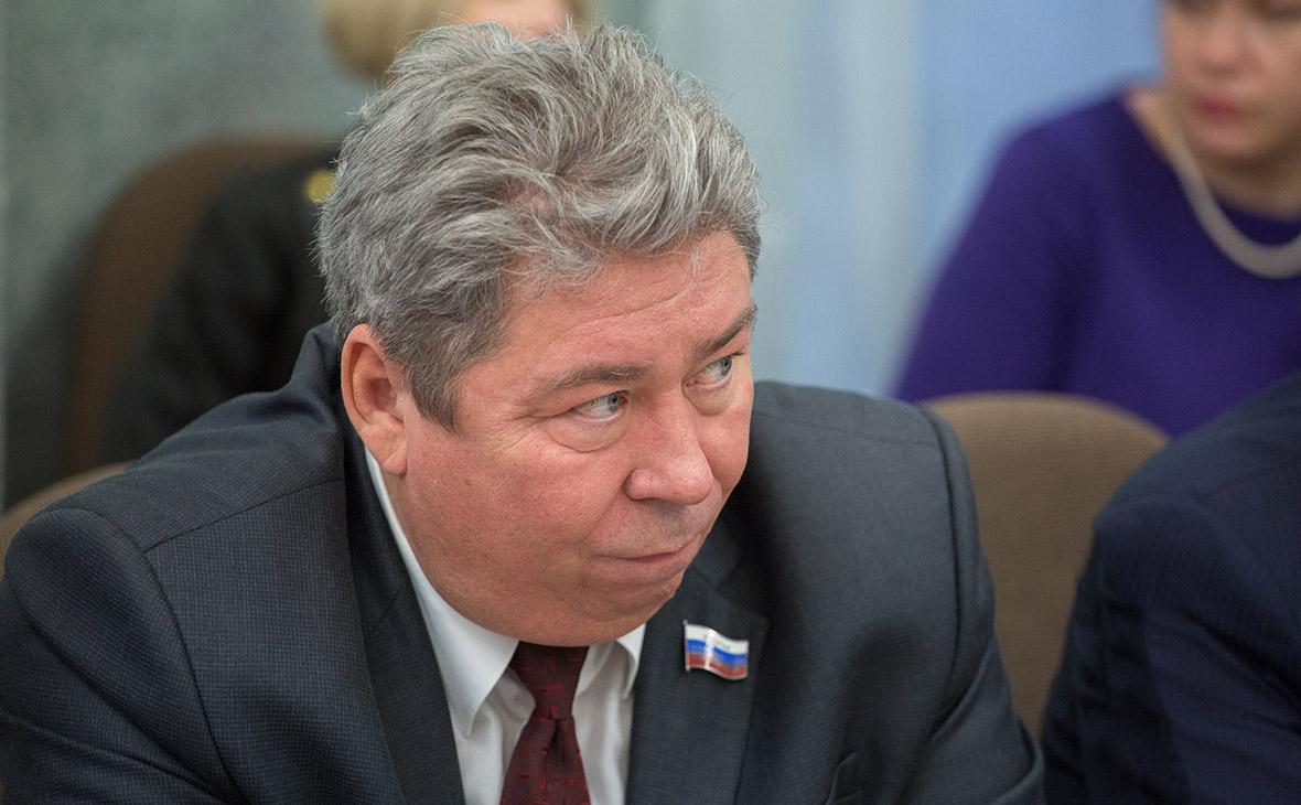 В Челябинске задержали главу отделения ПФР по подозрению во взятках