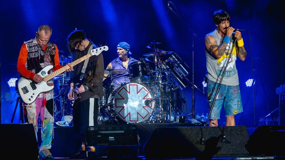 Red Hot Chili Peppers продадут права на все свои песни за $140 млн