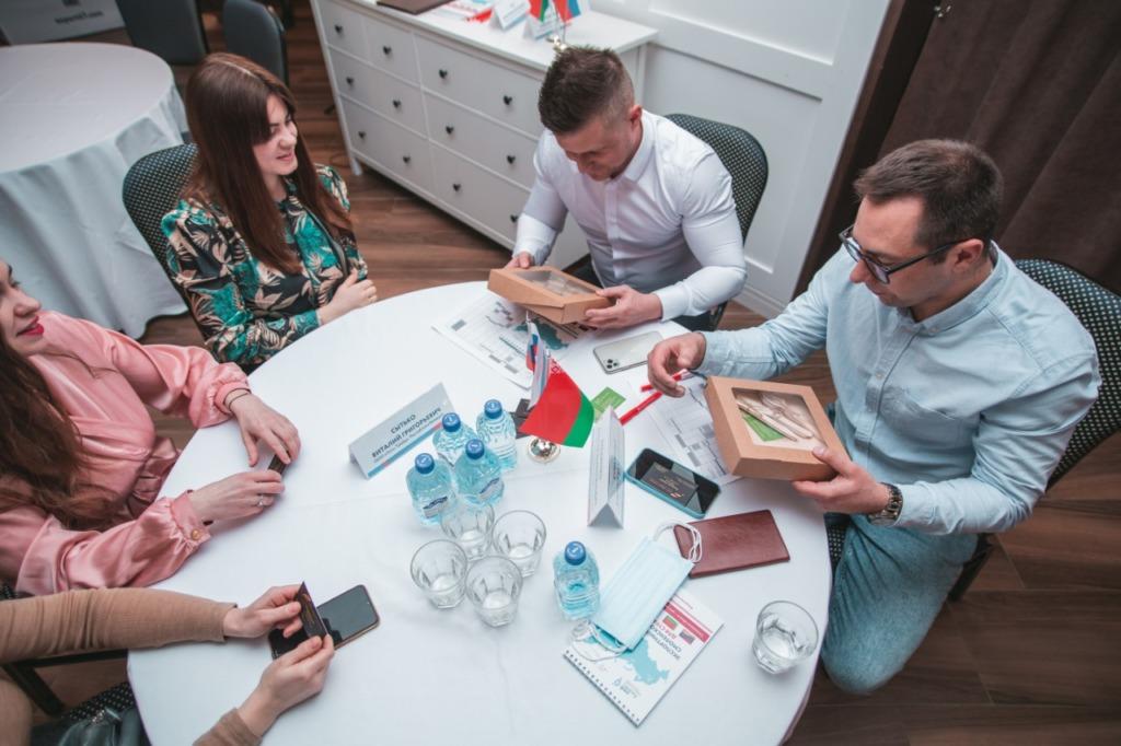 Импортеры из 3 стран приехали с бизнес-миссией в Смоленск. Есть первые контракты