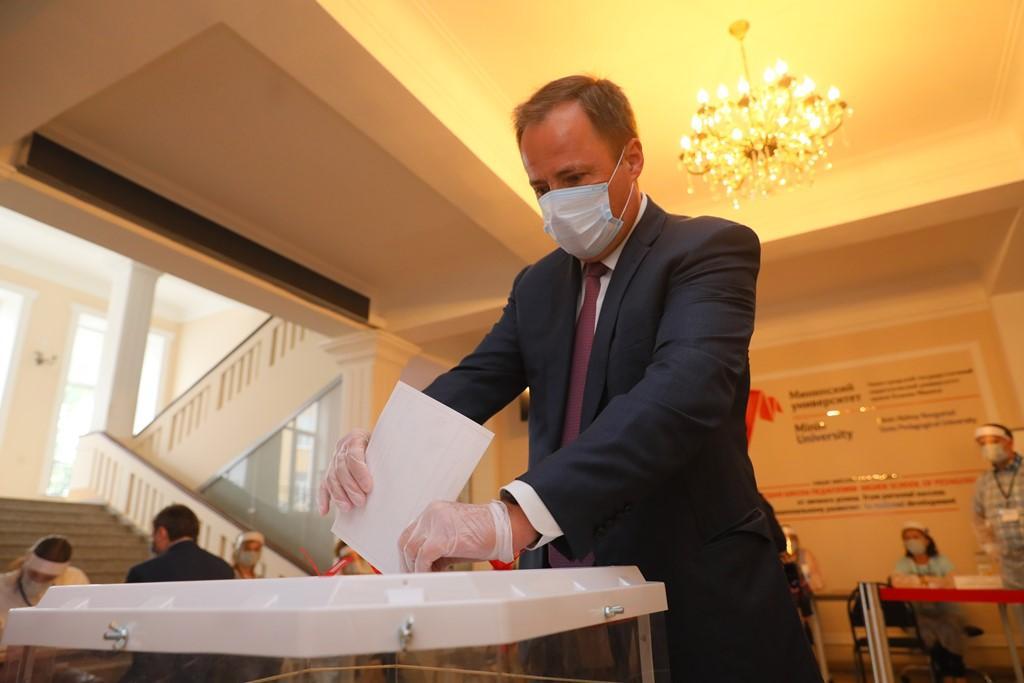 Полпред президента в ПФО принял участие в голосовании по конституции