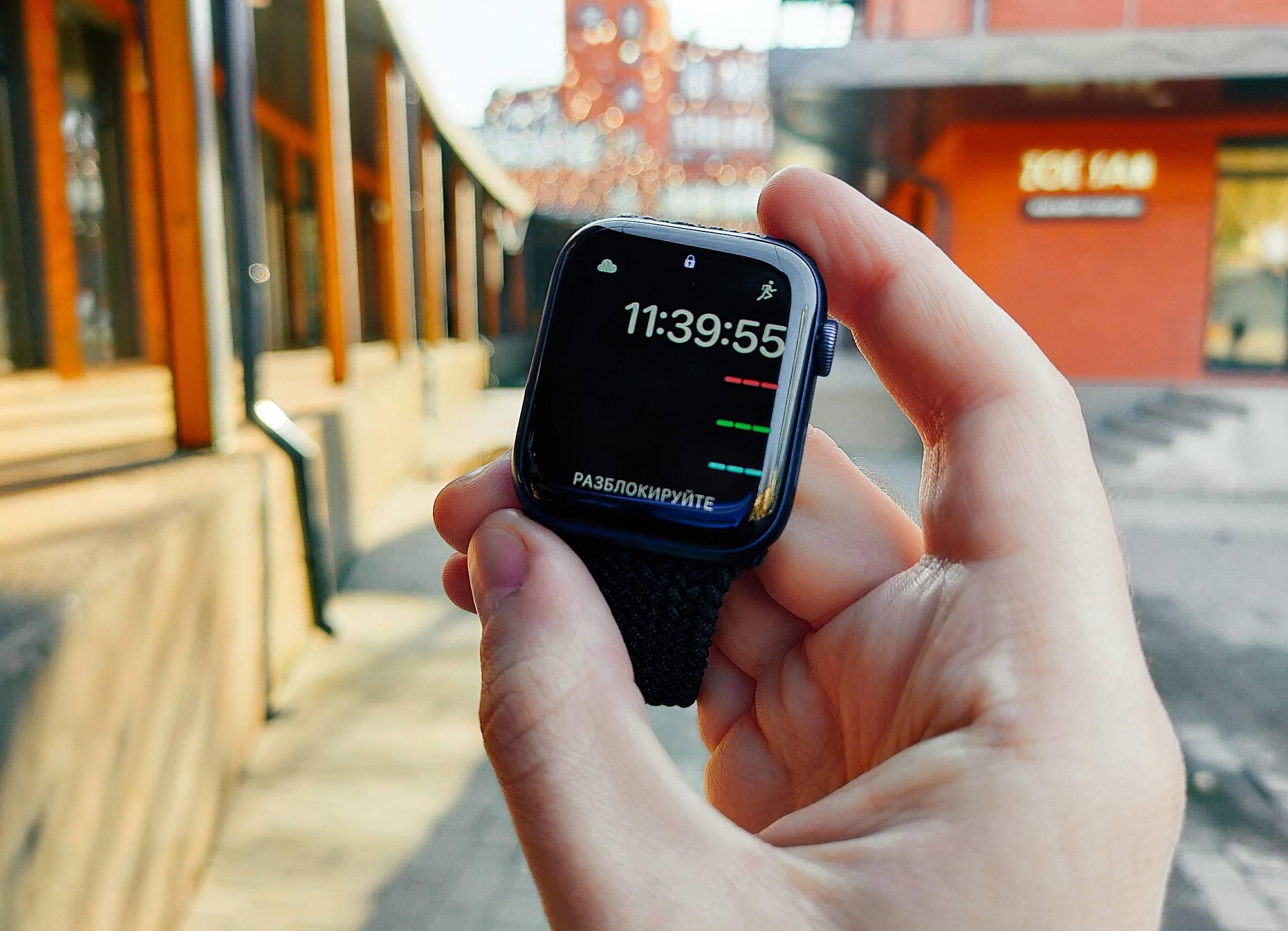 Протестировали Apple Watch Series 6. Почему они дорогие и что обновилось спустя год