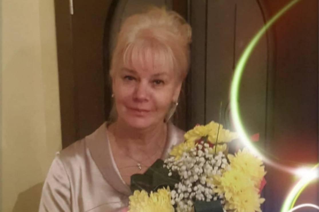 На Алтае грабитель напал на 66-летнюю учительницу, умирающую от рака, и нанес 40 ударов ножом